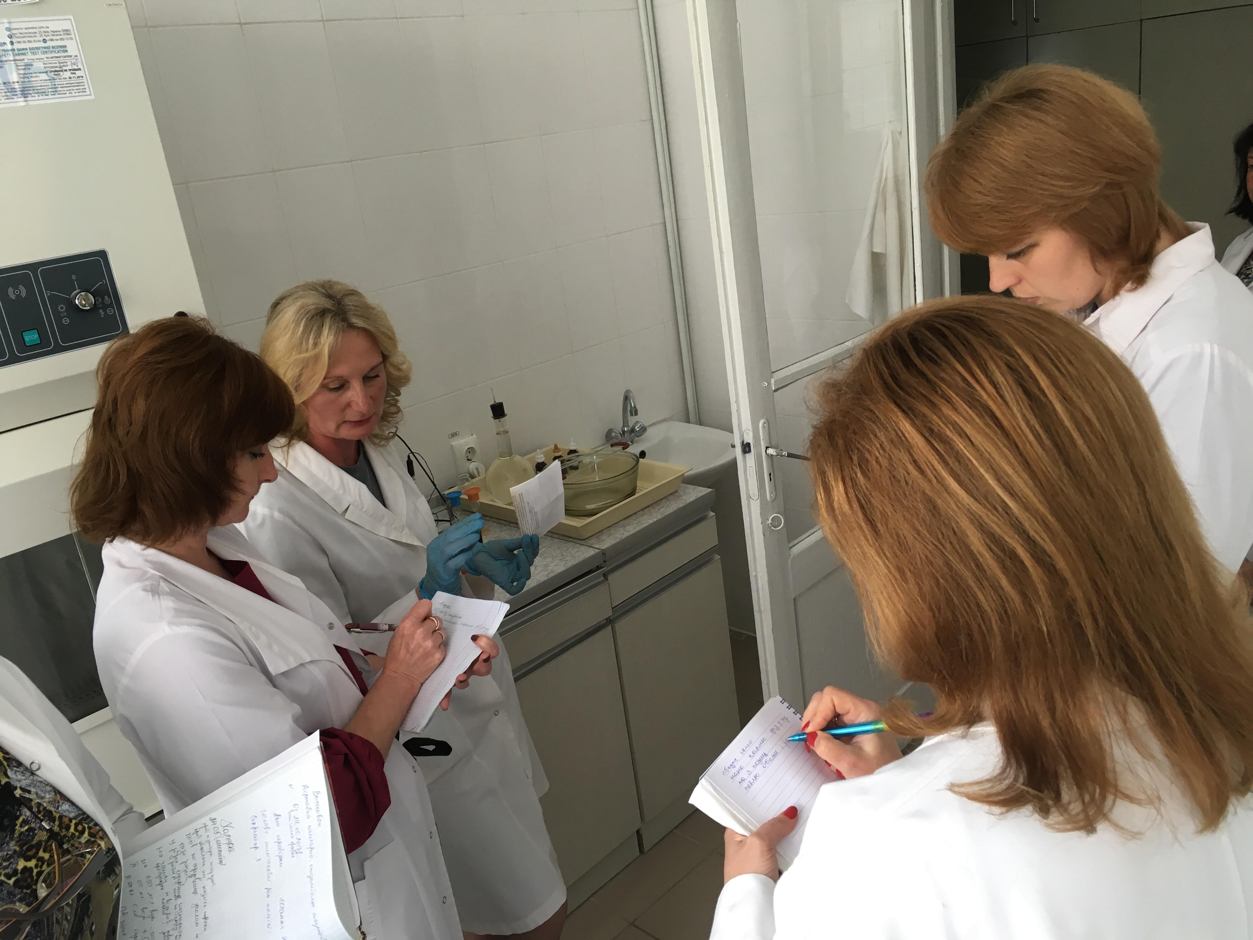 Проведено курсову підготовку лікарів-бактеріологів та фельдшерів-лаборантів мікробіологічних лабораторій по лабораторній діагностиці холери