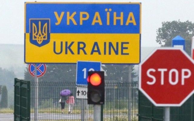 """Уряд змінив правила перетину кордону для протидії """"Дельта""""-штаму коронавірусу"""